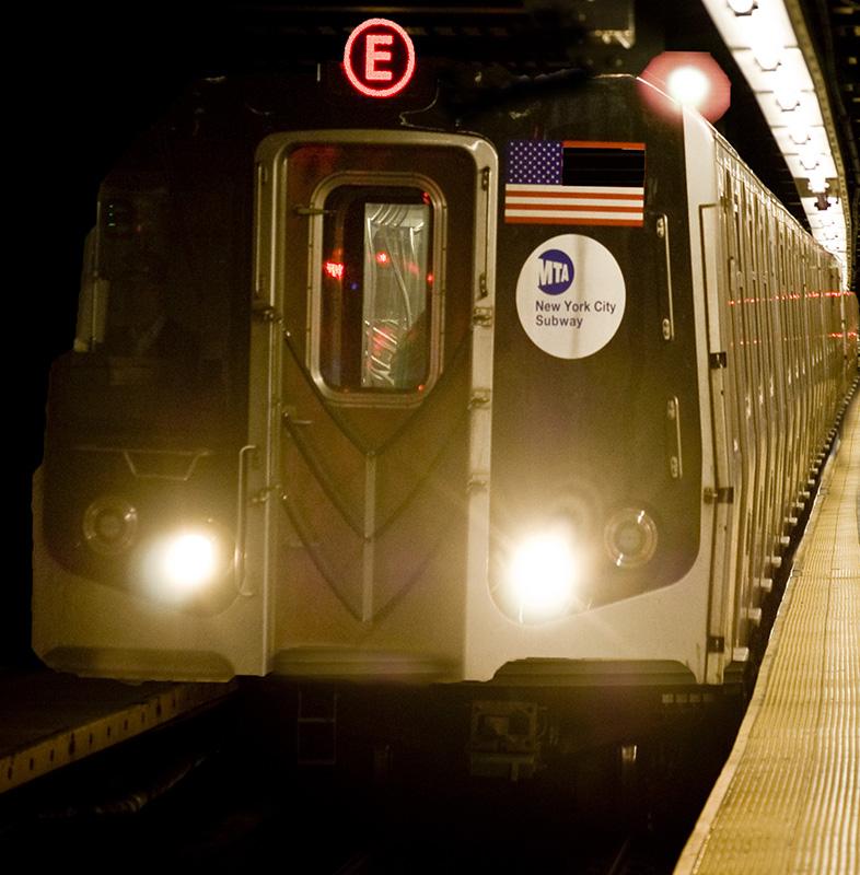 E train close DSC_0092.jpg